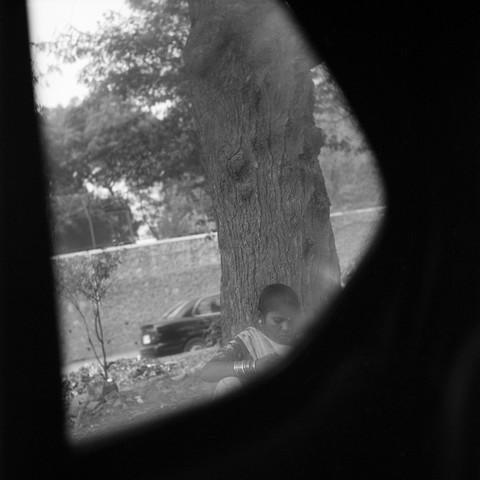 Am Straßenrand - fotokunst von Shantala Fels