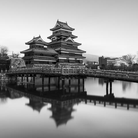 Matsumoto Castle   Japan - fotokunst von Ronny Behnert
