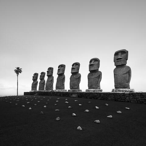 Ahu Akivi Moai - fotokunst von Ronny Behnert