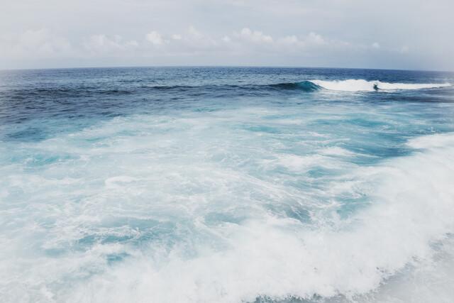 Blue Hawaii - fotokunst von Courtney Crane