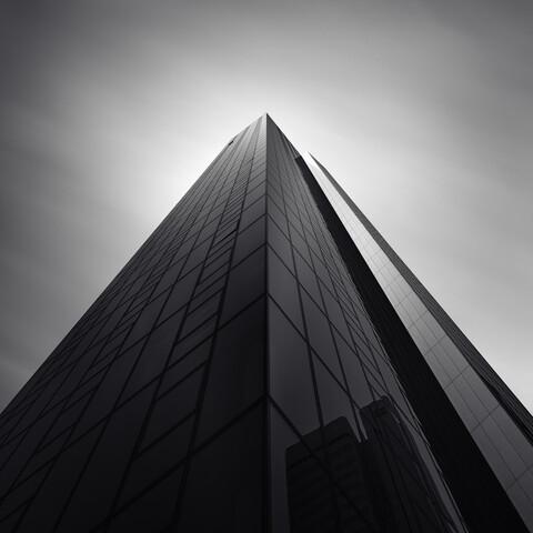 Advanced black Frankfurt - fotokunst von Richard Grando