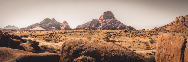 Panoramablick Spitzkoppe Namibia - fotokunst von Dennis Wehrmann