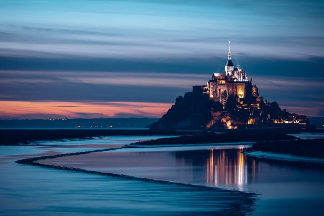 Mont Saint Michel im Abendlicht - fotokunst von Franz Sussbauer
