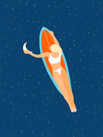 Moon Surfing - fotokunst von Uma Gokhale
