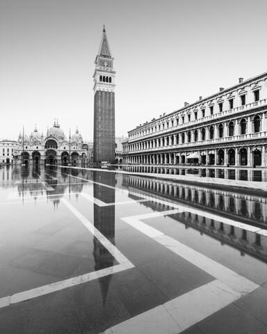 Campanile Venezia - fotokunst von Ronny Behnert