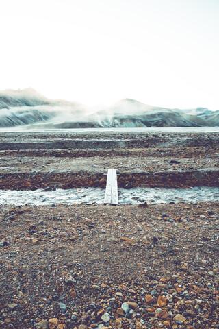 Fußweg in Landmannalaugar - fotokunst von Franz Sussbauer