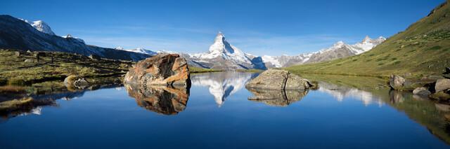 Stellisee und Matterhorn im Sommer - fotokunst von Jan Becke