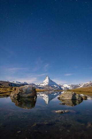 Stellisee und Matterhorn - fotokunst von Jan Becke
