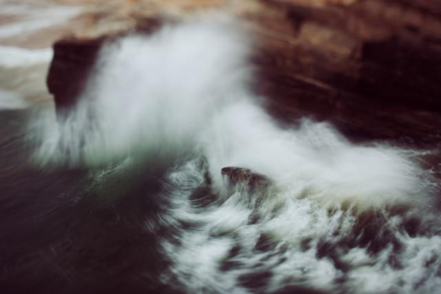 Guadalupe Wave - fotokunst von Kevin Russ