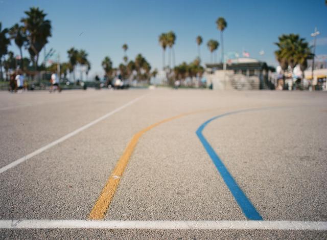 Venice Beach - fotokunst von Amaar Ujeyl