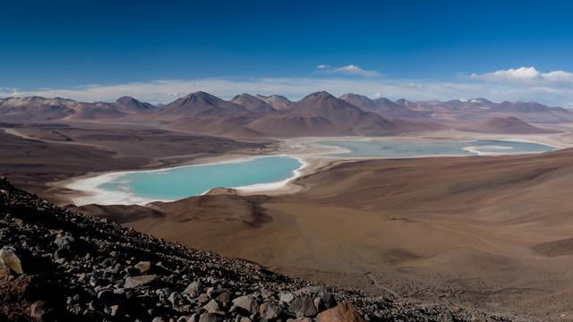 Laguna Verde inmitten der Atacama - fotokunst von Mathias Becker