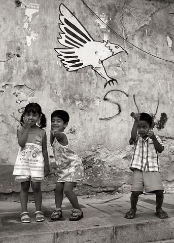 Palermo Kids - Sicily - fotokunst von Silva Wischeropp