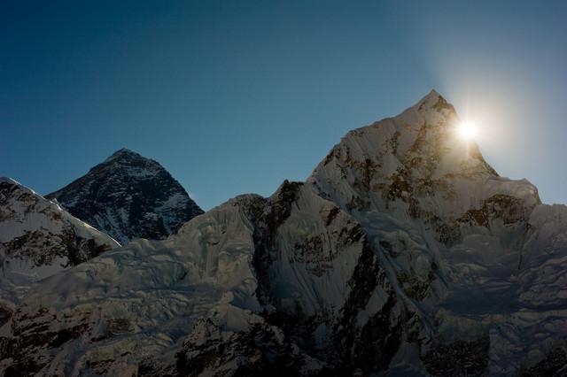 Sonnenaufgang am Mount Everest - fotokunst von Michael Wagener