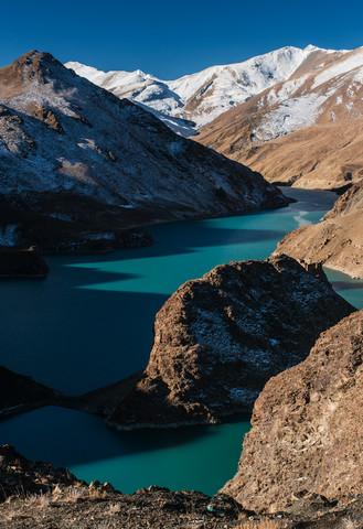 Bergdamm in Tibet - fotokunst von Michael Wagener