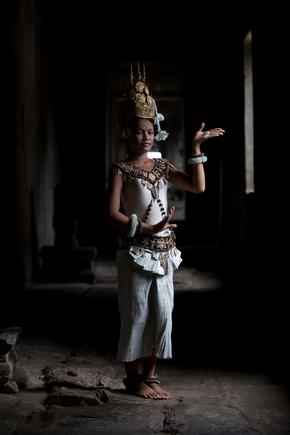 Manuel Fischer, Temple Dancer (Kambodscha, Asien)