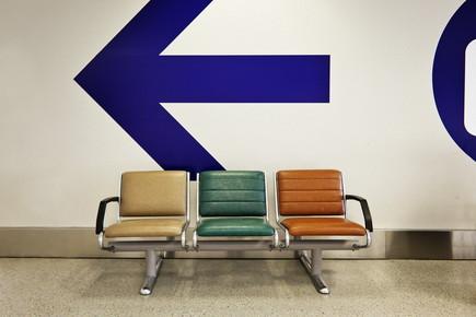Jeff Seltzer, Airport Chairs (Bermuda, Nordamerika)