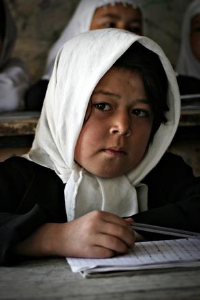 Rada Akbar, Girl at School (Afghanistan, Asien)