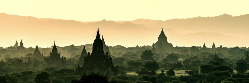 Jean Claude Castor, Burma - Bagan vor Sonnenuntergang (Myanmar, Asien)