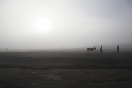 Christina Feldt, Sunrise at Mount Bromo, Java, Indonesia (Indonesien, Asien)