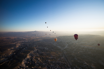 Carla Drago, Balloonning at Sunrise over Cappadocia, Turkey (Türkei, Europa)