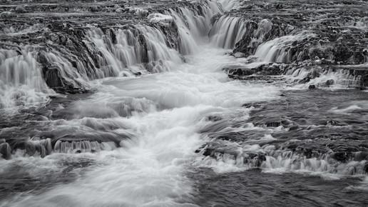Dennis Wehrmann, Langzeitbelichtung Wasserfall Bruararfoss Island (Island, Europa)
