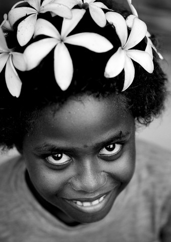 Girl from Bougainville Papua New Guinea - Fineart photography by Eric Lafforgue