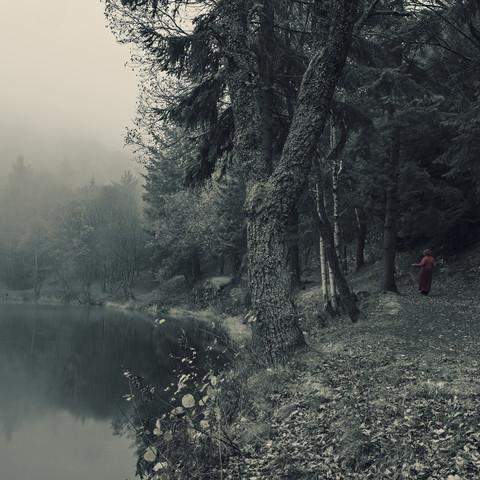 rotkäppchen - Fineart photography by Michaela Ertelt