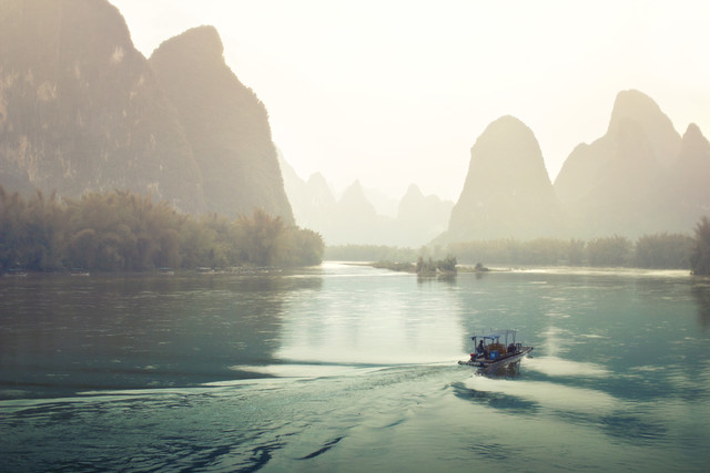 Li River in the fog - Fineart photography by Victoria Knobloch