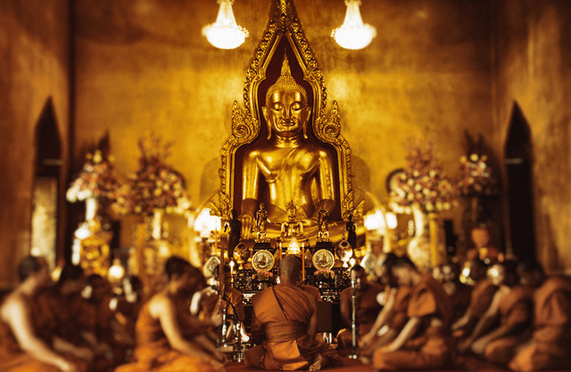 Monks in Bangkok - Fineart photography by Victoria Knobloch