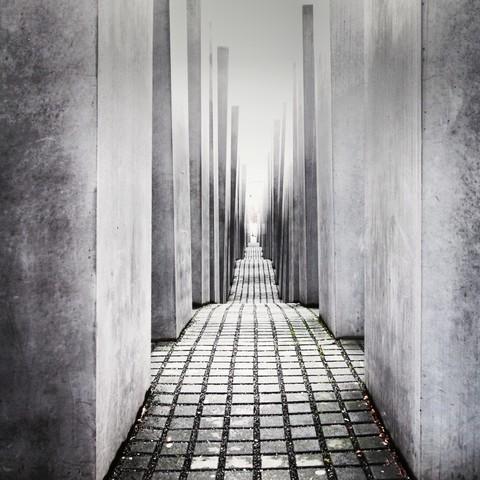 Memorial - Fineart photography by Gordon Gross