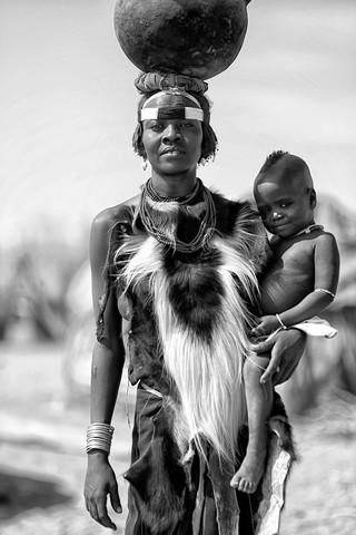 Daasanach - Fineart photography by Nicole Cambré