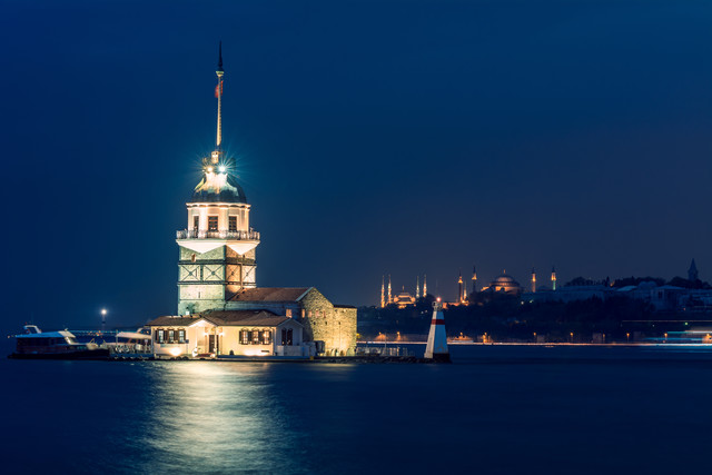 Istanbul - Kiz Kulesi Lighthouse - Fineart photography by Jean Claude Castor