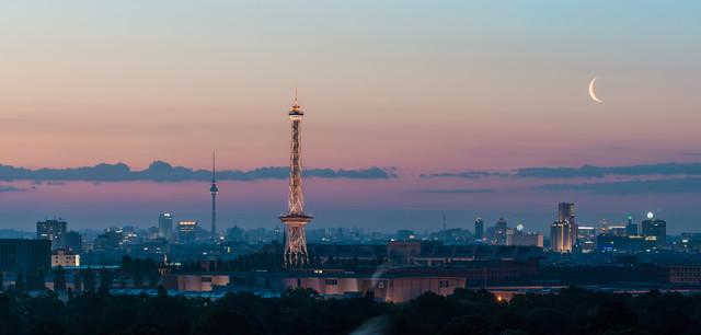 Berlin - Skyline Panorama during sunrise - Fineart photography by Jean Claude Castor