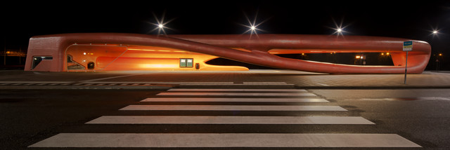 bus stop - Fineart photography by Oliver Buchmann