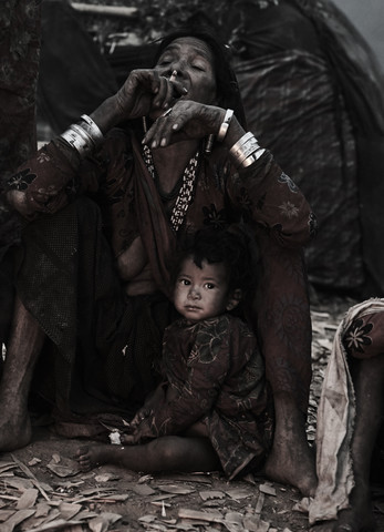 The last hunters-gatherers of the Himalayas - Fineart photography by Jan Møller Hansen