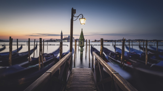 The first light Venice Panorama - Fineart photography by Ronny Behnert