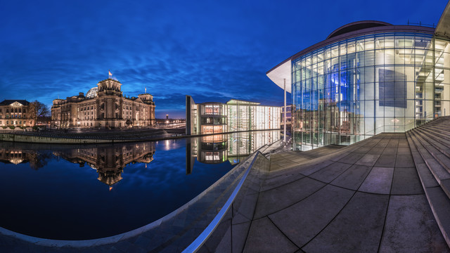 Berlin - Government District Study II - Fineart photography by Jean Claude Castor