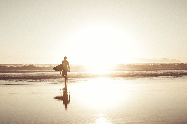 Surfer - Fineart photography by Thomas Neukum