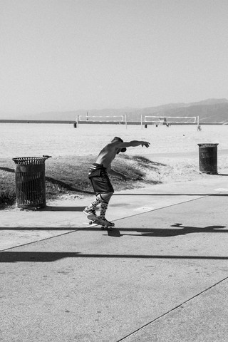 Skater - Fineart photography by Thomas Neukum