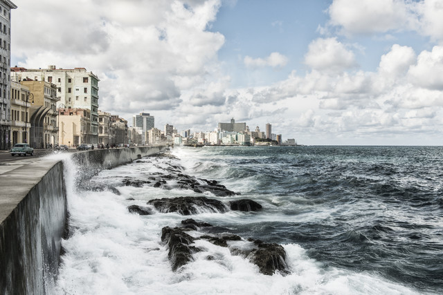 Malecon - Fineart photography by Saskia Gaulke
