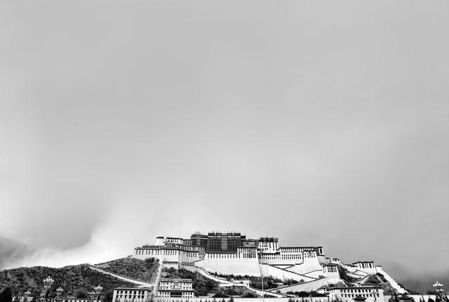 Potala Palace - Fineart photography by Victoria Knobloch