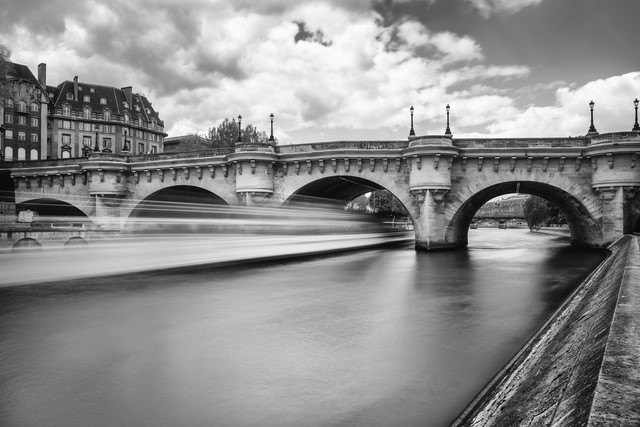 Pont Neuf Paris - Fineart photography by Mario Ebenhöh