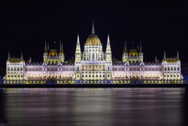 Hungarian Parliament Building in Budapest - Fineart photography by Jürgen Wolf
