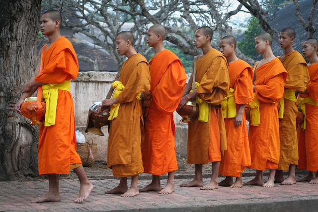 Monks in Luang Prabang - Fineart photography by Arno Simons