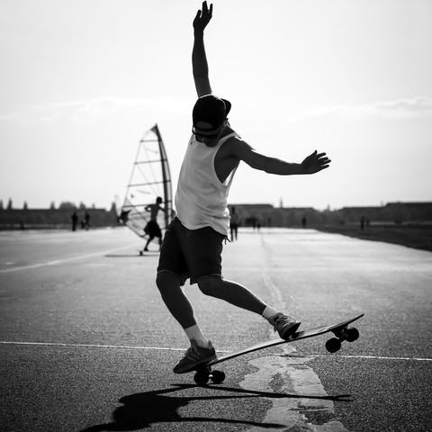 Skater at the Tempelhofer Feld - Fineart photography by Arno Simons