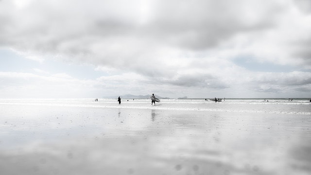 Beachboys - Fineart photography by Rob van Kessel