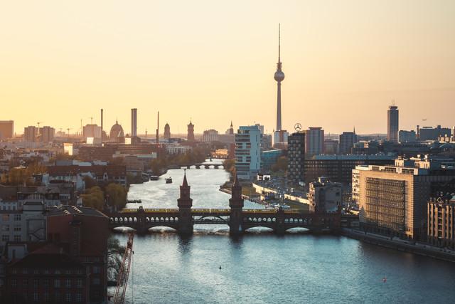 jean claude castor 39 berlin skyline oberbaumbr cke 39. Black Bedroom Furniture Sets. Home Design Ideas