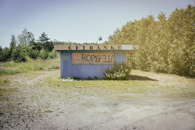 Polish Kiosk: »Getränke« - Fineart photography by Eva Stadler