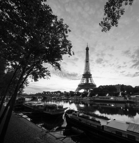 PORT DEBILY - PARIS - Fineart photography by Christian Janik