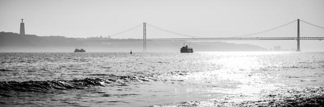 Ponte de 25 Abril - Fineart photography by Sebastian Rost